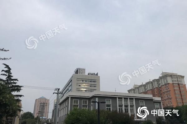 北京今日炎热持续最高温34℃ 阵风6级左右山区有雷雨