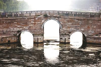 北京八里桥停驶机动车 四次勘探露真容