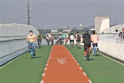 <b>北京第一条自行车专用路总骑行量近二百万辆次</b>