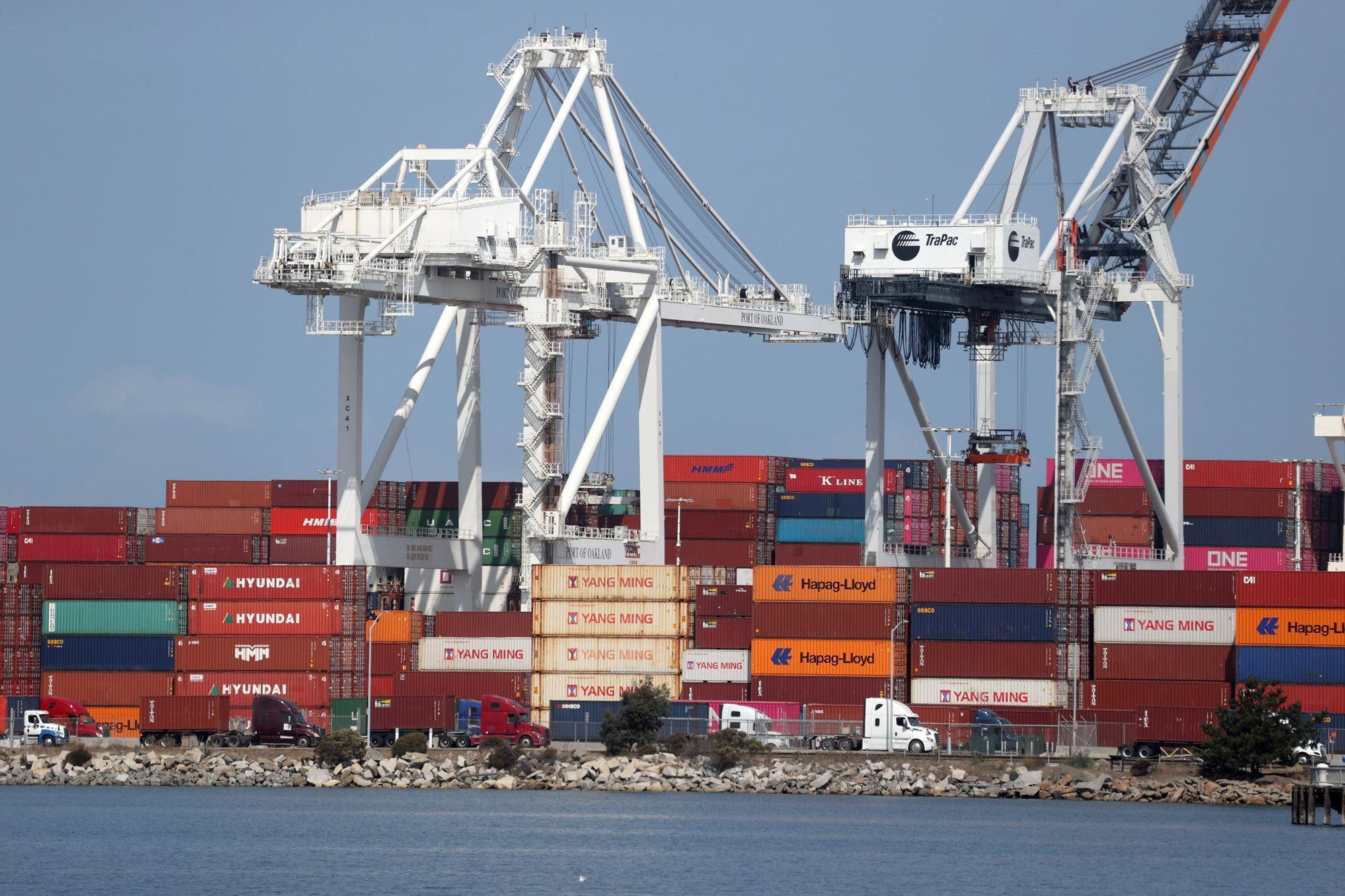 美国贸易逆差攀升至14年来最高水平