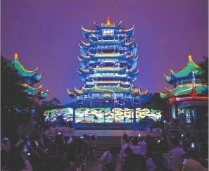 逆袭排版八方游客欢聚大武汉,英雄城市节日盛宴引发世界聚焦(图2)