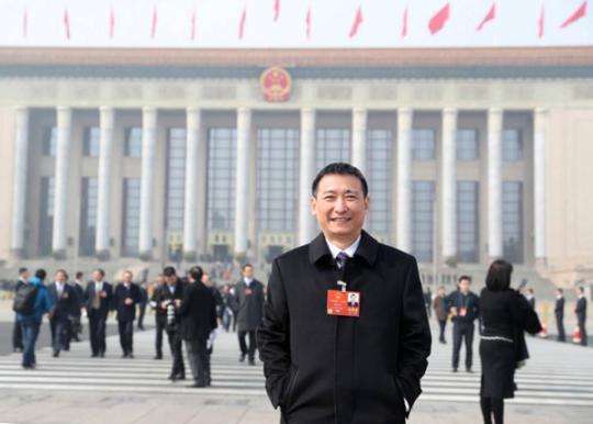 """赵皖平:发挥专业力量全力""""战贫"""""""