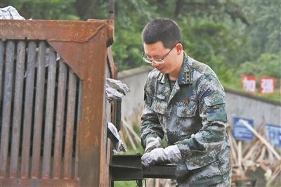 联勤保障部队某销毁大队参谋长陈雪礼:不畏生死 向险而行