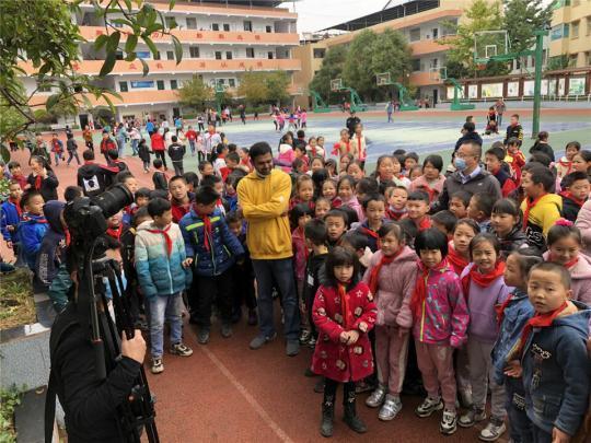 10年来,60个国家的600多名外国青年用影像记录真实中国