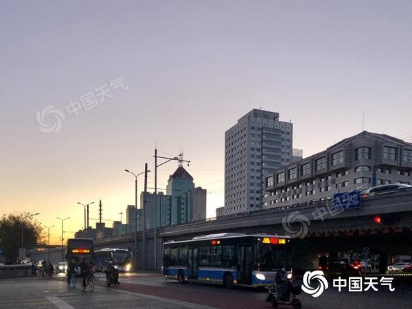 冷!今日北京大部地区最高气温仅7℃ 周末或有雨雪再来袭