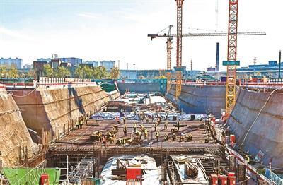 北京地铁11号线西段三座车站提前封顶