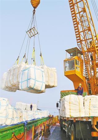 外贸持续增长 贡献中国力量