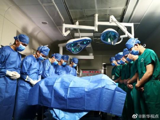 """24岁青年意外离世捐献器官""""救7命"""" 医生:能捐这么多器官非常难得,值得尊敬"""