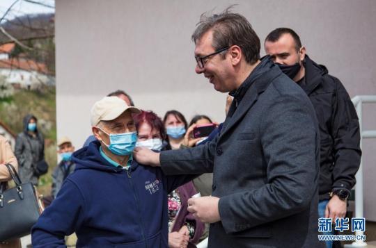 塞尔维亚总统接种中国疫苗