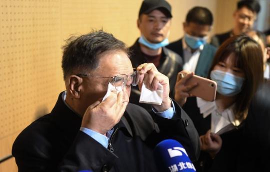 又见英雄泪——张伯礼重访武汉江夏方舱医院