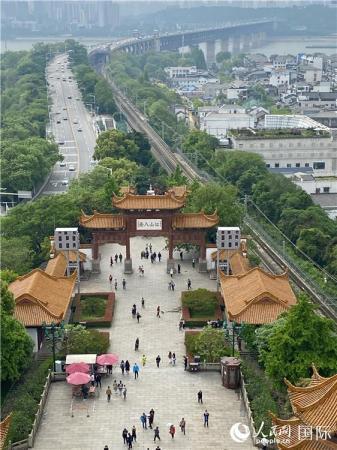 【中国有约】武汉重启:人间烟火气 最抚凡人心