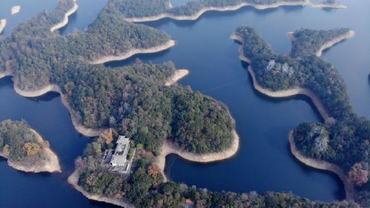 黄山太平湖流域违规开发项目整改不力调查