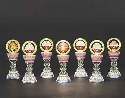 瓷器拍卖市场新热点瓷质佛教供器5年身价涨10倍
