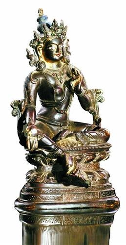 清代銅鎏金綠度母像:協調準確、精緻成熟的造型美