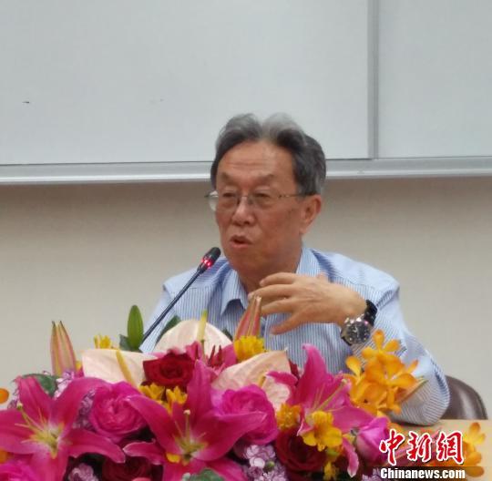 """一周文化观察:茅奖被质疑是""""老人奖""""上海书展说"""