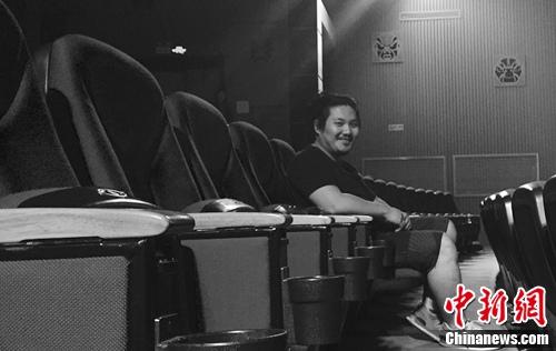 """专访《家宴》导演马岩:家人是""""最熟悉的陌生人"""""""