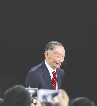 京剧大师梅葆玖突发疾病知情人称目前仍无知觉