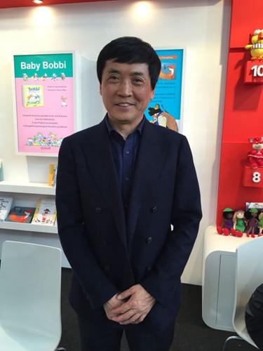曹文轩获国际安徒生奖成中国首位获此殊荣作家