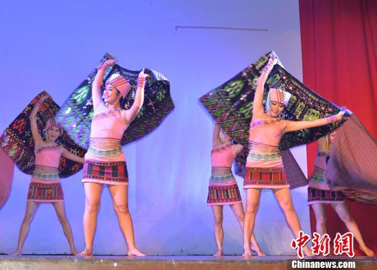 中国海南民族歌舞团吉隆坡演出引轰动