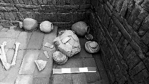 北京考古新发现汉代窑址摆放整齐青砖极为少见