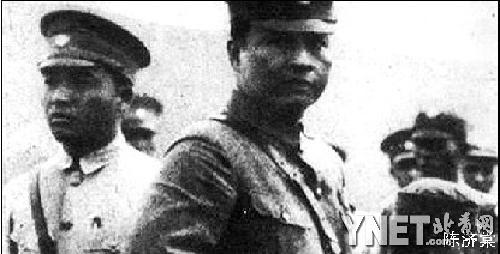 红军雕像素材黑白