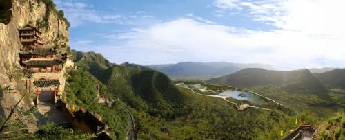 磁县溢泉湖风景区:是河北省省级湿地公园
