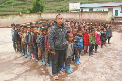80后乡村教师范韦军:为了孩子我会在村小干到50岁