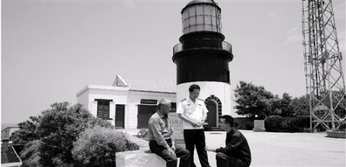 宁波镇海一家五代人孤岛上坚守同一座灯塔
