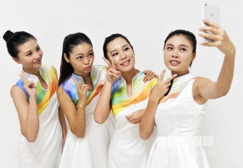 青运会颁奖礼仪志愿者靓丽青春