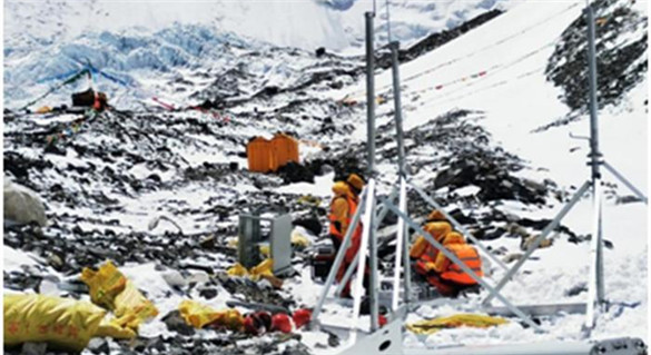 揭秘5G上珠峰:5.8吨光缆靠人扛,发电机用帐篷保暖