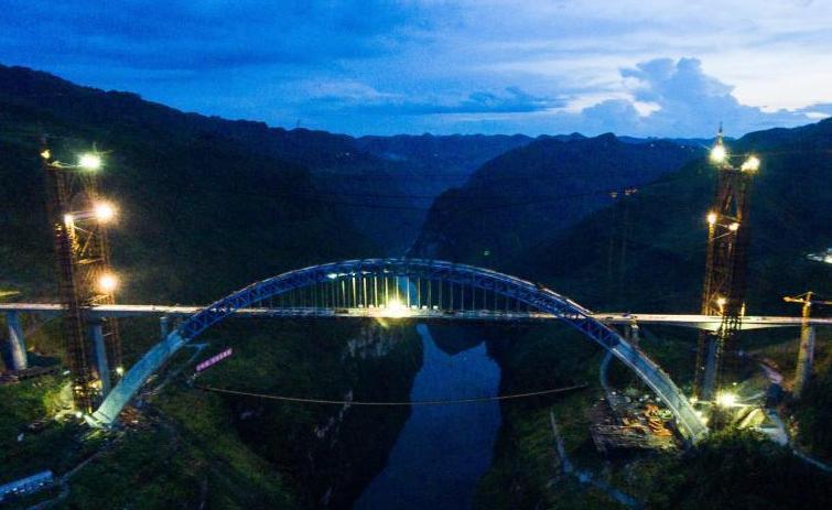 成贵高铁鸭池河特大桥主体工程完工