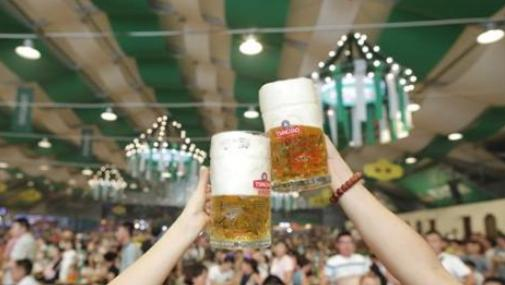 """舌尖上的青岛啤酒节 """"食全酒美""""总有一款适合你"""