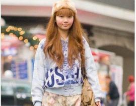向来追求原创时尚意识的日本潮人们,在这一期新的街拍中又给我们带来什么样的青春活力。无论怎么配都要保持女孩的甜美感才是这季潮流的王道。