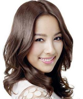 韩国女星眼妆假日更迷人