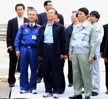 温家宝访问日本宫城县灾区