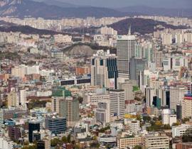 <strong>首尔都市圈:</strong>首尔都市圈包括首尔特别市、仁川广域市和京畿道,土地总面积11726平方公里,占韩国国土面积的11.8%,人口2000多万,占韩国总人口的近一半。形成始于20世纪70年代中期。