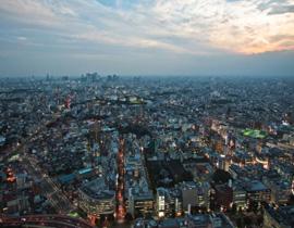 <strong>东京都市圈:</strong>京都市圈主要指日本东海岸太平洋沿岸城市带。从东京湾的鹿岛开始,经千叶、东京、横滨、静冈、名古屋、大阪、神户和长崎,总面积约10万平方公里,人口近7000万。