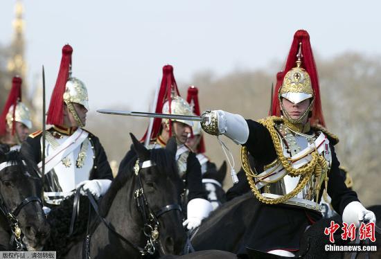英国皇家骑兵团