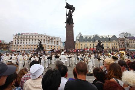 2011年出访俄罗斯、朝鲜