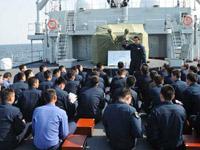 郑和舰中外学员展开联合训练
