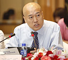 中国传媒大学传播系主任<br>邓���