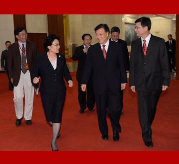 刘云山出席中新社成立60周年纪念大会