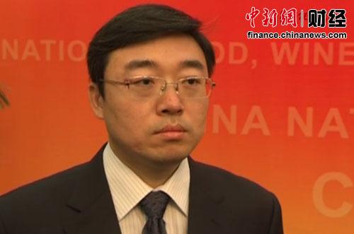 杨成刚:正制定年份酒行业标准