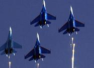 苏27战机空中表演气势夺人