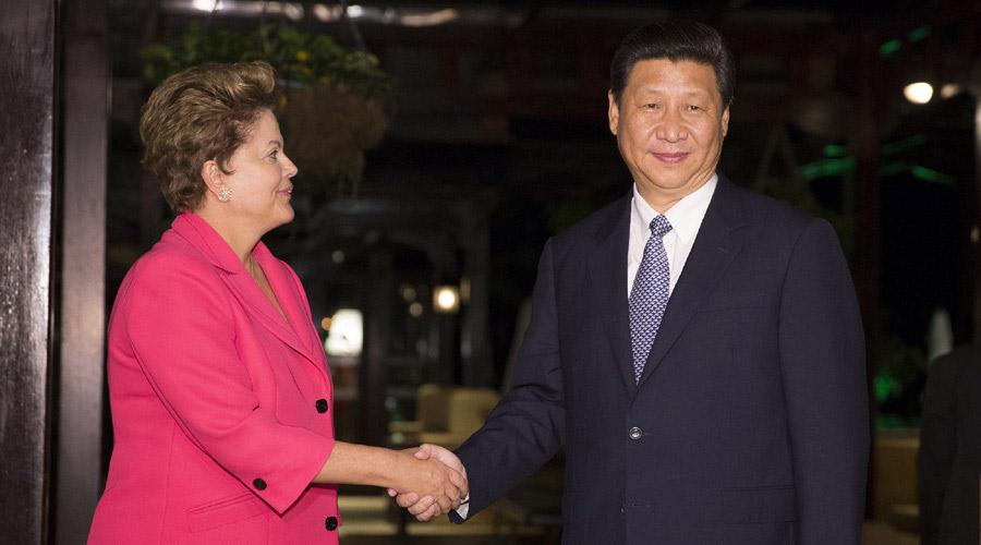 习近平在南非德班会见巴西总统罗塞夫