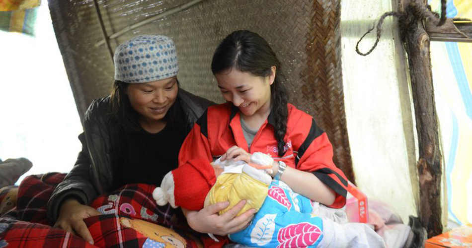 汶川地震断腿女教师廖智赴芦山支援救灾