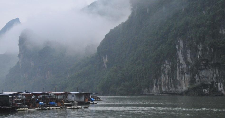 烟雨漓江之景
