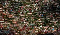 《高原上的色彩小屋》  摄影:张小平