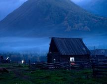 《静静的小山村》 摄影:王冰