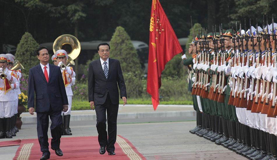 李克强抵达河内 开始对越南进行正式访问